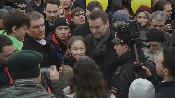 Russland: Nawalny verspricht Demonstranten Hilfe im Kampf gegen die Justiz