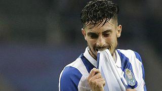 #LigaPortuguesa J29: FC Porto deixa fugir Benfica e torce pelo Sporting