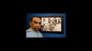 پیکرعارف لرستانی پس از بدرقه در تهران، در کرمانشاه به خاک سپرده میشود