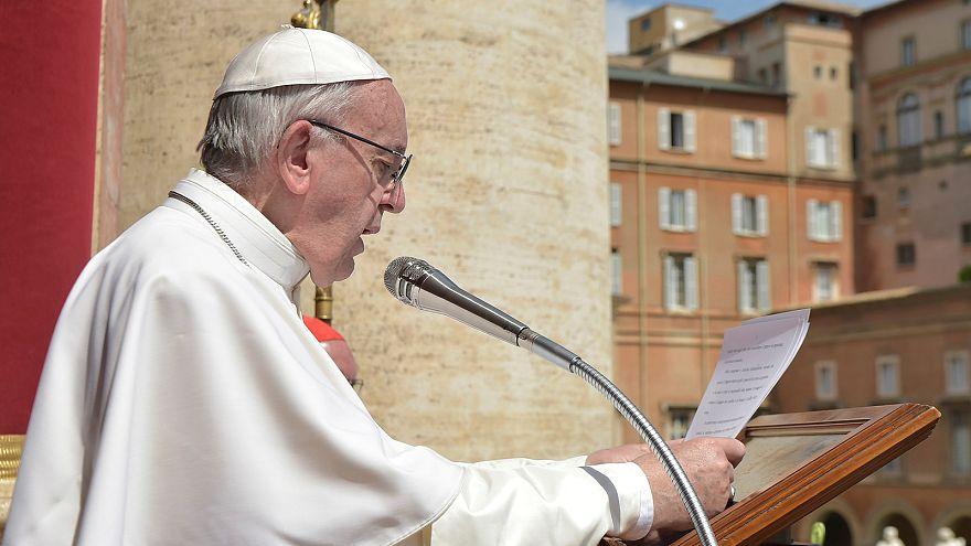"""Pâques : le pape François prie pour la Syrie, victime de """"l'horreur et la mort"""""""