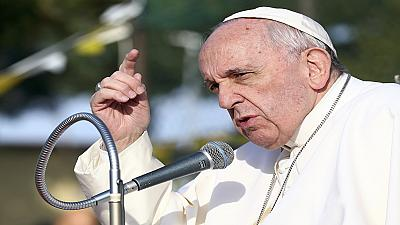 Pope Francis urges world to hold fast to faith amid war and diseases