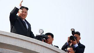 Kuzey Kore kıtalar arası balistik füzeleri tanıttı ABD ile tansiyon had safhada
