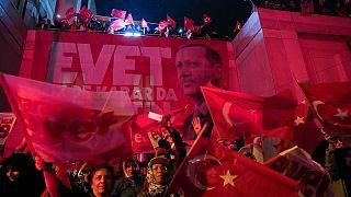 """Verfassungsreferendum in der Türkei: Erdogan erklärt Sieg des """"Ja""""-Lagers"""