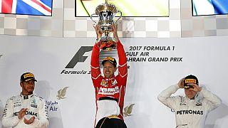 Vettel siegt in Bahrain vor Hamilton