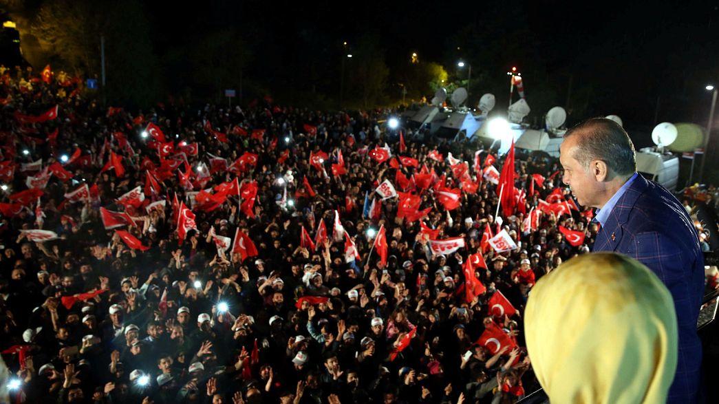 Президент Туреччини оголосив про перемогу на референдумі