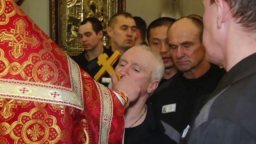 Rusya'da cezaevinde Paskalya töreni