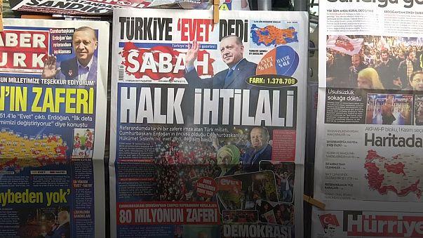 تباين آراء الأتراك بشأن نتيجة الاستفتاء