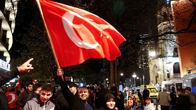 الأتراك في ألمانيا صوتوا بنسبة قاربت 65% لصالح الإستفتاء