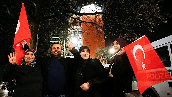 Referendum in der Türkei: Knappes Ergebnis legt politische Niederlage offen