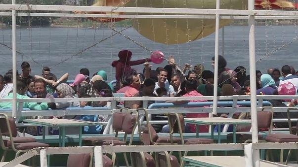 Mısır bahar bayramı Şem en Nesim'i kutladı