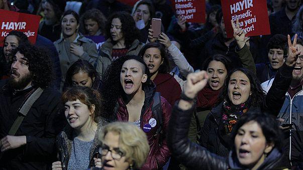 Referandum sonrası protesto dalgası