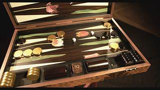 Backgammon mit Brigitte Bardot: Luxus-Spielbretter von Alexandra Llewellyn