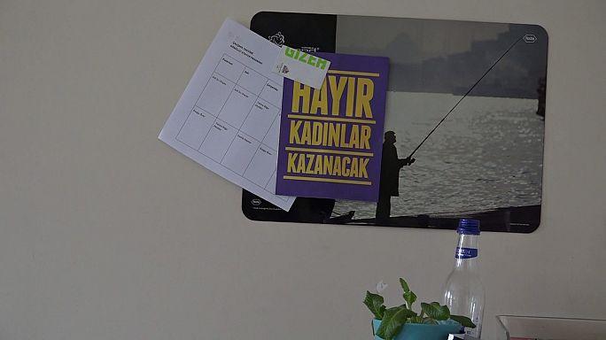 مشككون في نتائج استفتاء تركيا يدعون إلى إعادة فرز أصوات
