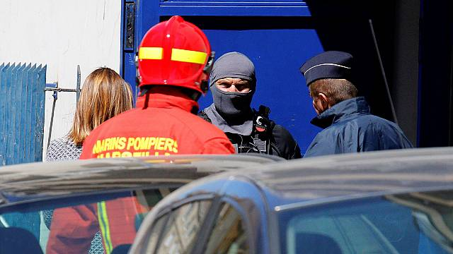French authorities thwart attack: flat raided and two men arrested