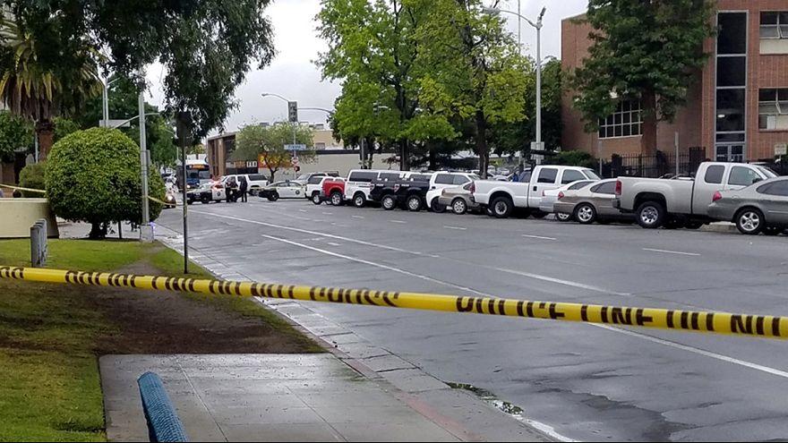 В США разыскиваемый полицией афроамериканец перед арестом застрелил троих белых