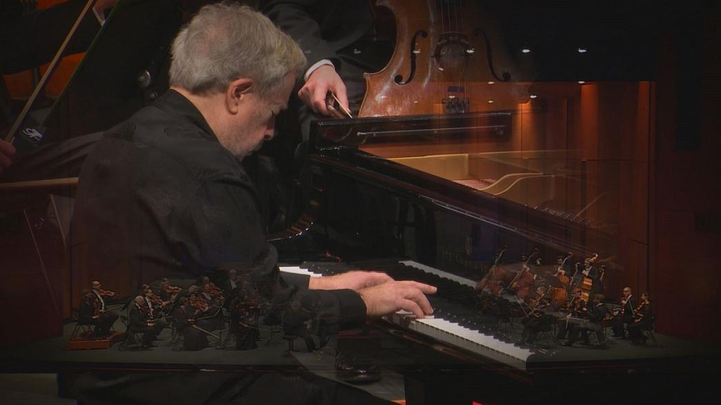 Discreto y humilde, Nelson Freire, explica su amor por el piano, por el jazz y por el cine