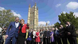 """Nicola Sturgeon: """"İngiltere'de alınan erken seçim kararı 'siyasi hesap hatası'dır"""""""