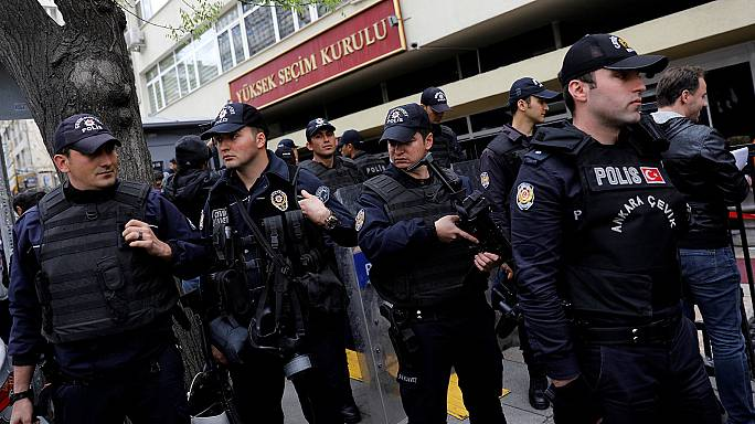 Alto Conselho Eleitoral da Turquia rejeita anular o referendo