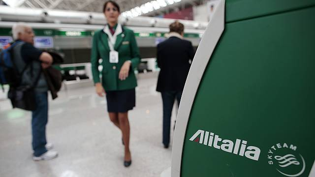 Alitalia: al via il referendum per salvare la compagnia