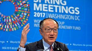 Frühjahrstagung IWF/Weltbank - und Christine L. winkt mit dem blauen Band