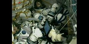 رائدا الفضاء فيشر ولورتشيكين يصلان الى محطة الفضاء الدولية