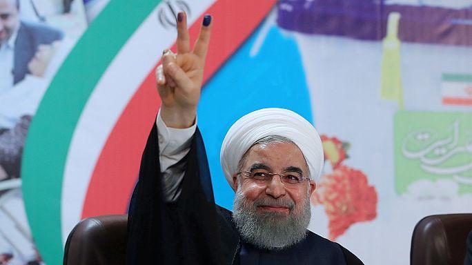 روحاني بين ستة مرشحين يحق لهم خوض الانتخابات الايرانية واستبعاد أحمدي نجاد