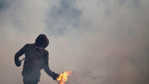 تداوم اعتراضات در ونزوئلا، دستکم هشت کشته در جریان راهپیمایی های سه هفته اخیر