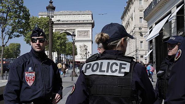 Σε κόκκινο συναγερμό η Γαλλία δύο ημέρες πριν τις προεδρικές εκλογές