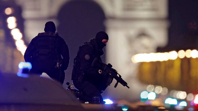 Champs Elysées shooting: what we know