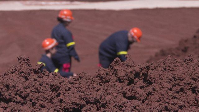 İşlenmiş madenden nadir toprak elementleri