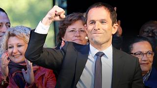 Socialist Hamon a campaign of hemorrhaging support