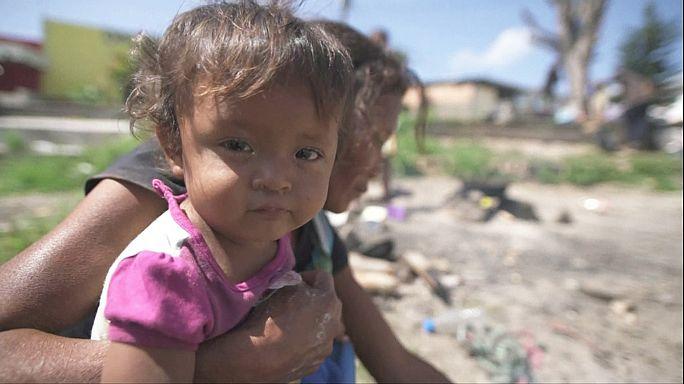 Venezuelalılar hayatlarını kurtarmak için Brezilya'ya kaçıyor
