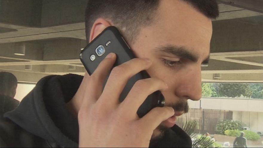 Италия: суд признал, что мужчина стал инвалидом из-за мобильного телефона