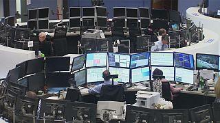 Borse europee contrastate nell'ultima seduta prima delle presidenziali francesi