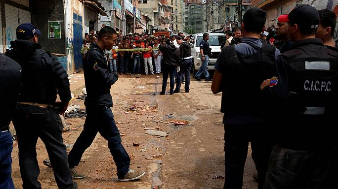 Venezuela'daki eylemlerde 8 kişiye elektrik çarptı