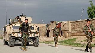 """هجوم لطالبان يخلف """"أكثر من 50 قتيلا"""" في ثكنة  قرب مزار الشريف"""