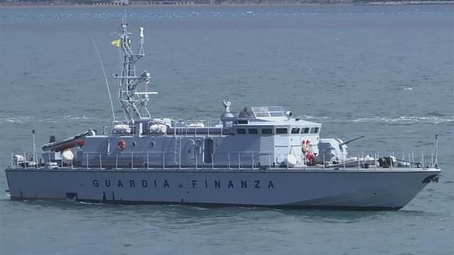 Itália entrega navios à Guarda Costeira líbia