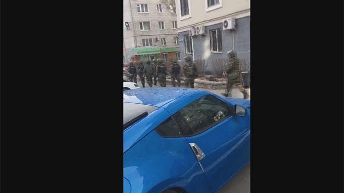 Un joven armado mata a dos personas en una oficina del FSB en Siberia