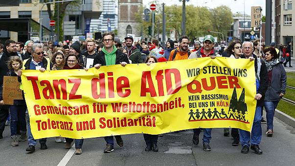 Thousands protest outside far-right party conference in Germany