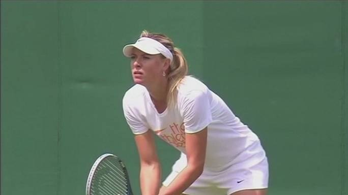 Tennis: sarà la Vinci a sfidare Maria Sharapova, al rientro dopo la squalifica