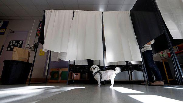 Во Франции — день первого тура президентских выборов