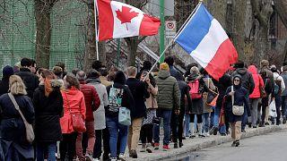 Kanada: Schlangestehen für französische Wähler in Montreal