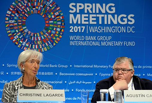 IMF drops pledge to fight protectionism