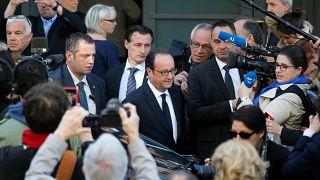 الرئاسيات الفرنسية: فرنسوا هولاند في طريقه إلى مركز للتصويت في مدينة تول