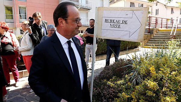 Präsidentenwahl: Hollande bei der Stimmabgabe