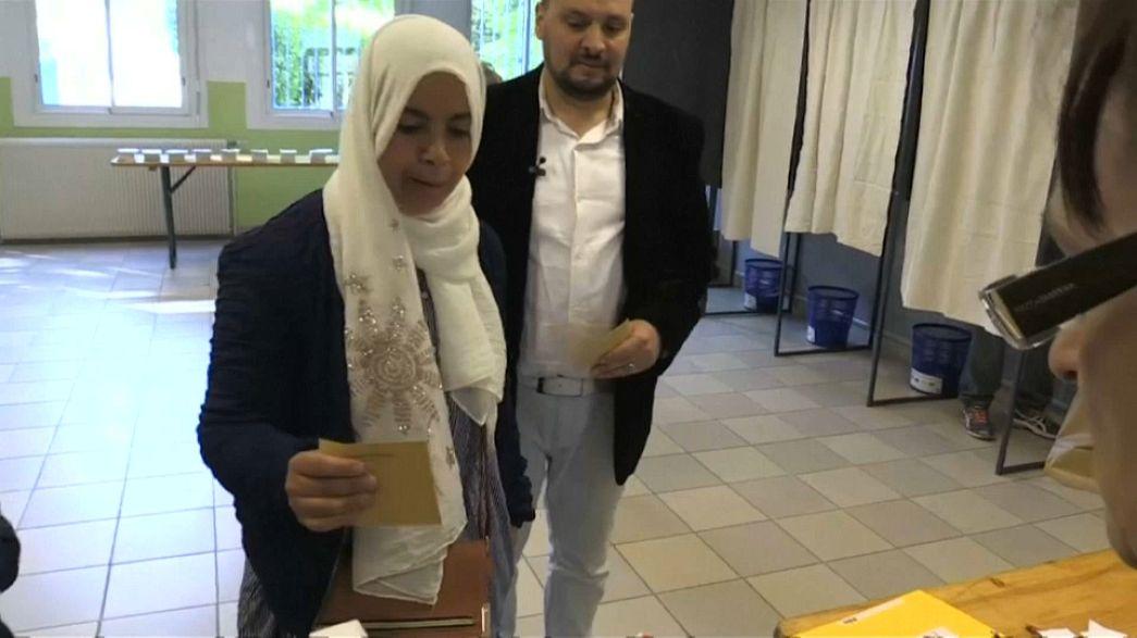 مسلمو فرنسا يدلون بأصواتهم في الانتخابات الرئاسية