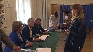 Presidenciais francesas: O dia decisivo dos indecisos