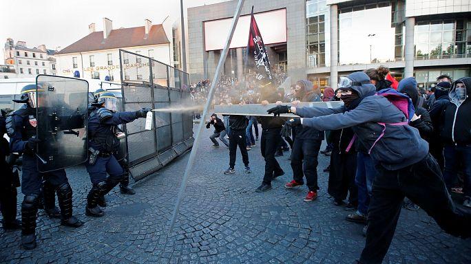 Antifasiszták csaptak össze a rendőrökkel Párizsban