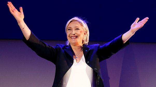 Marine Le Pen apresenta-se como a alternativa à herança de François Hollande