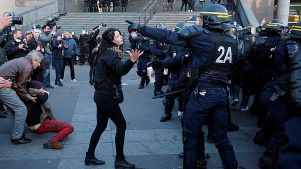 Tumulto em Paris depois das eleições